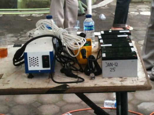 Baterai kering dan piranti pendukung