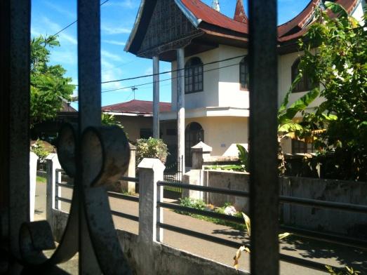 Rumah Tetangga